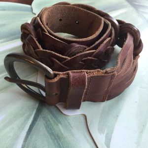 ABERCROMBIE & FITCH BROWN LEATHER BELT SIZE SMALL